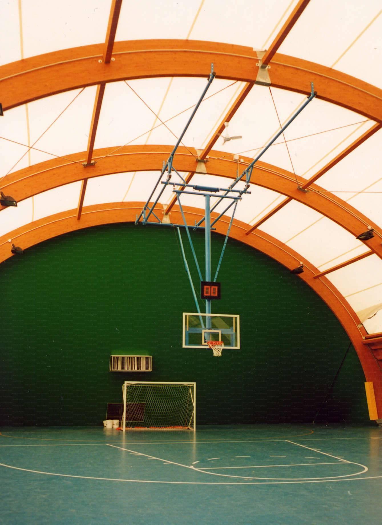 Impianto da basket a soffitto