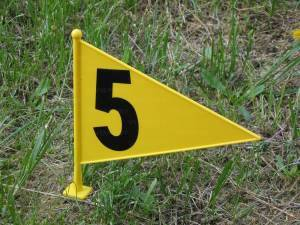 Throwing marker stake, numbered in PVC, triangular