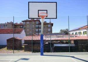 Outdoor basketball system, posts hot galvanized, ext. arm 225 cm.