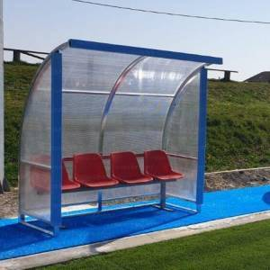 "Team shelter model ""Standard"" 2 m. long, in aluminium, cover in cell-like policarbonate."