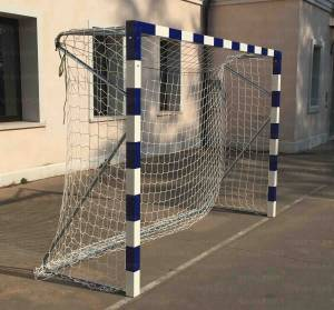 Handball goals in aluminium, portable, can be completely dismantled.